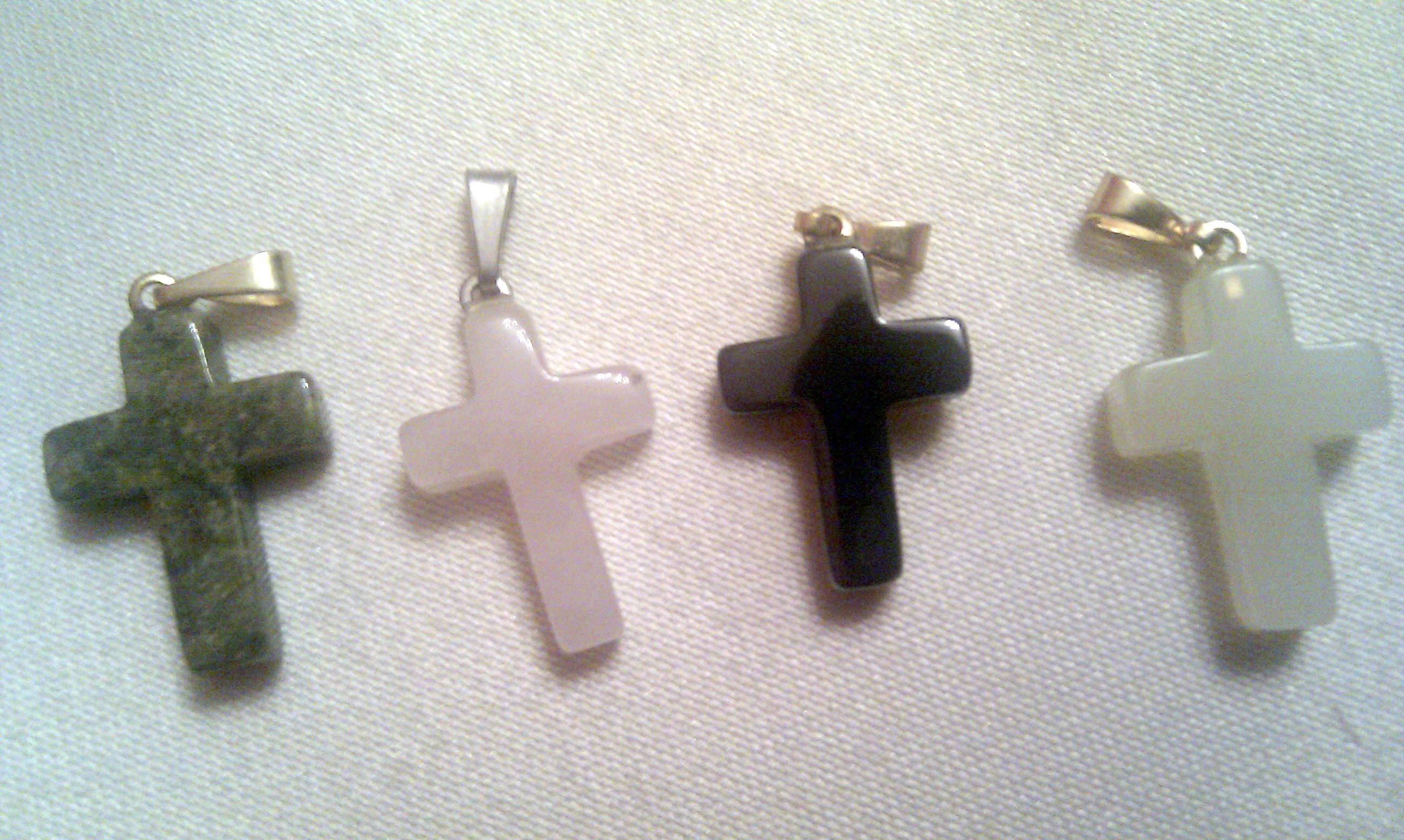 pendant – cross